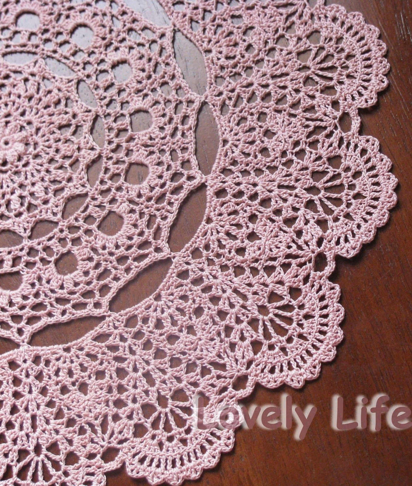 Free Printable Crochet Doily Patterns   Mantilla Doily - Close Up - Free Printable Crochet Patterns