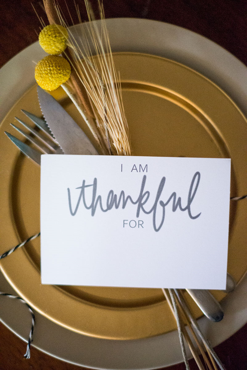 """Diy Placecards: """"i Am Thankful For"""" (Free Printable!)   Bloggers - Free Printable Personalized Thanksgiving Place Cards"""