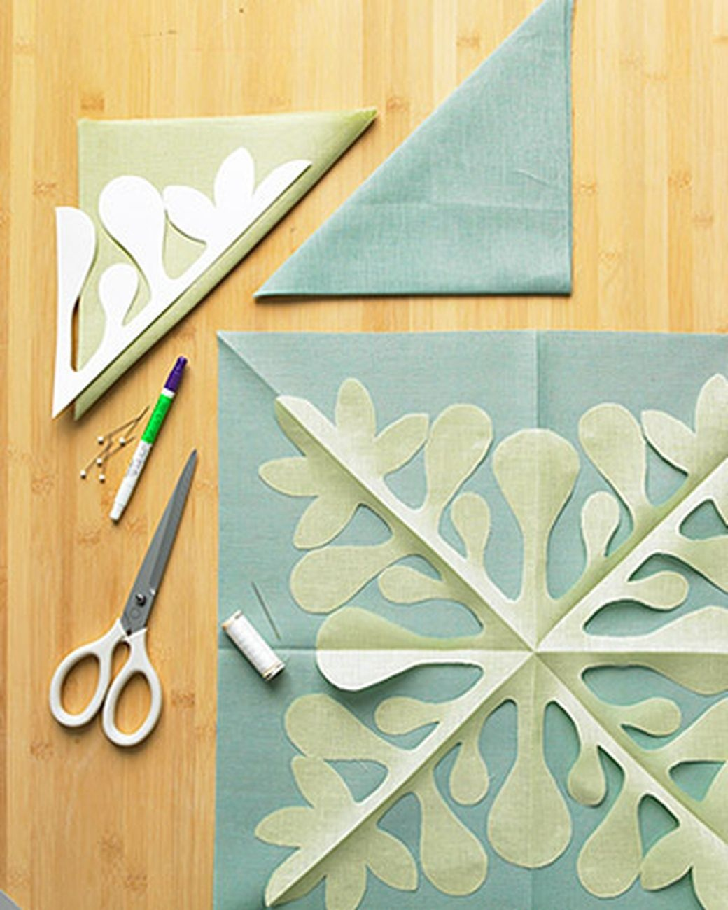 How To Make A Hawaiian Quilted Pillow Cover   Needle And Thread - Free Printable Hawaiian Quilt Patterns