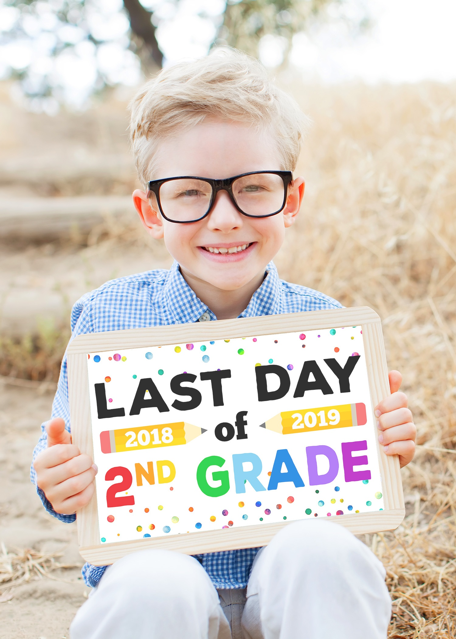 Last Day Of School Signs - Free Printable - Happiness Is Homemade - Free Printable Last Day Of School Signs 2017 2018